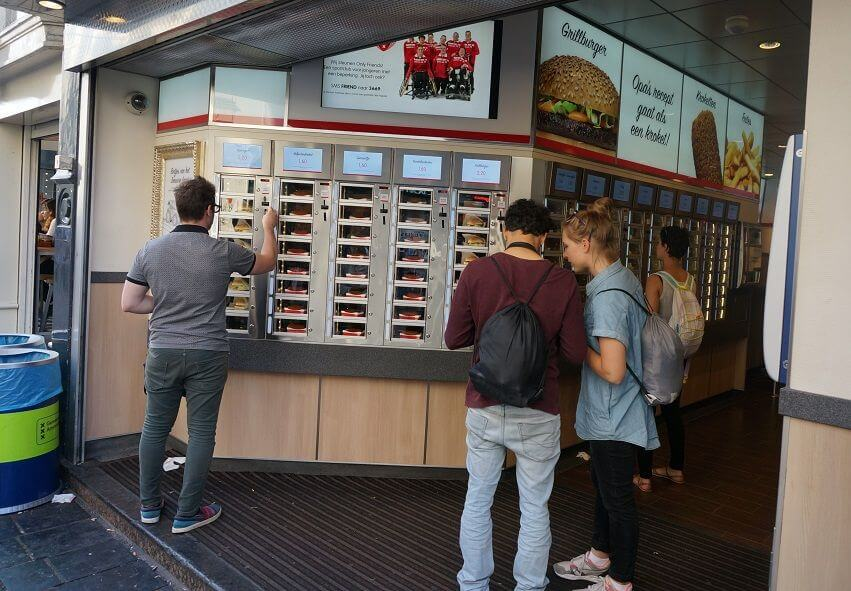 dutch food - snackbar