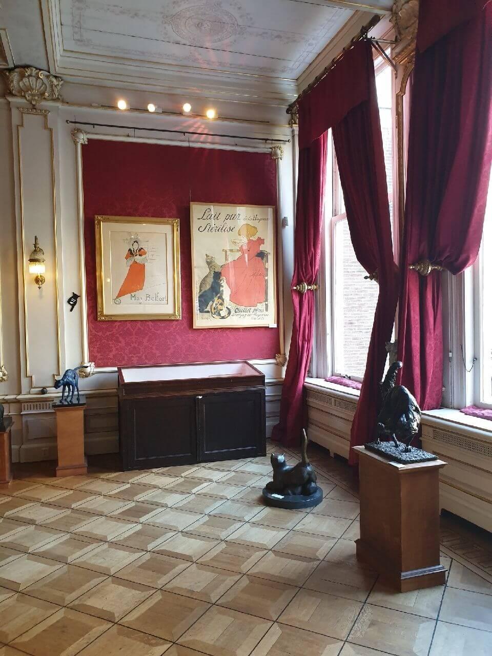 A vintage room in Het Kattenkabinet Amsterdam
