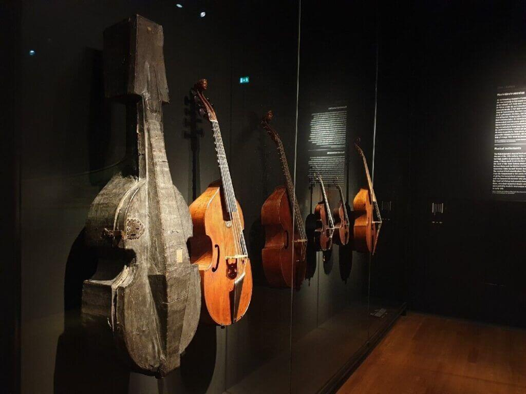 More vintage guitars at Rijksmuseum