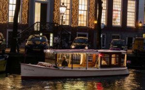 Tiqets - Old Dutch Boat - Amsterdam Light Festival 2020