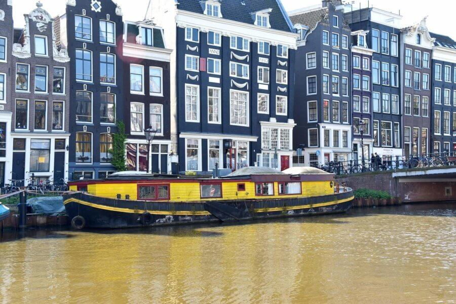 Houseboats in Amsterdam - Thingstodoinamsterdam