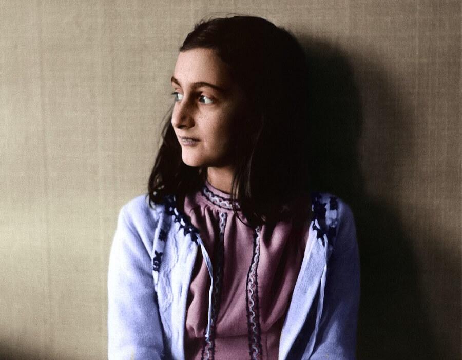 kleurenfoto van Anne Frank